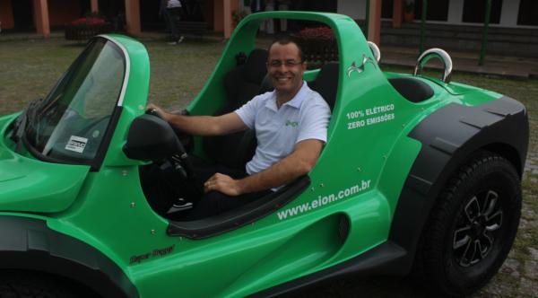 Imagem sobre Paraná tem primeiro veículo 100% elétrico a ser fabricado em série no Brasil