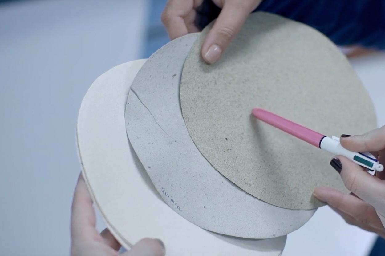 Imagem sobre Indústria inova e desenvolve papel com fibras obtidas a partir do esterco bovino